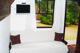 Cabana Casal – Sala com Sofá Cama